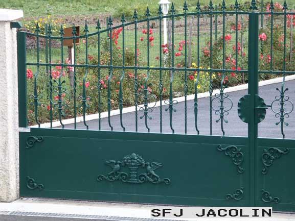 portail-acier-plastifie-pommier