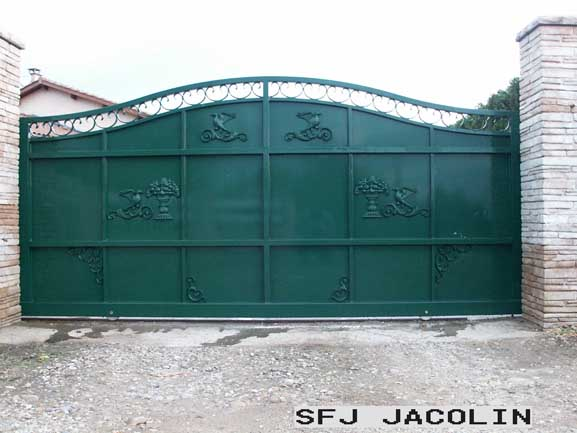 portail-acier-roussillon